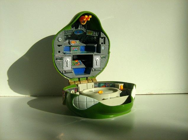 Leonardo's Mutant Military Playset (inside)