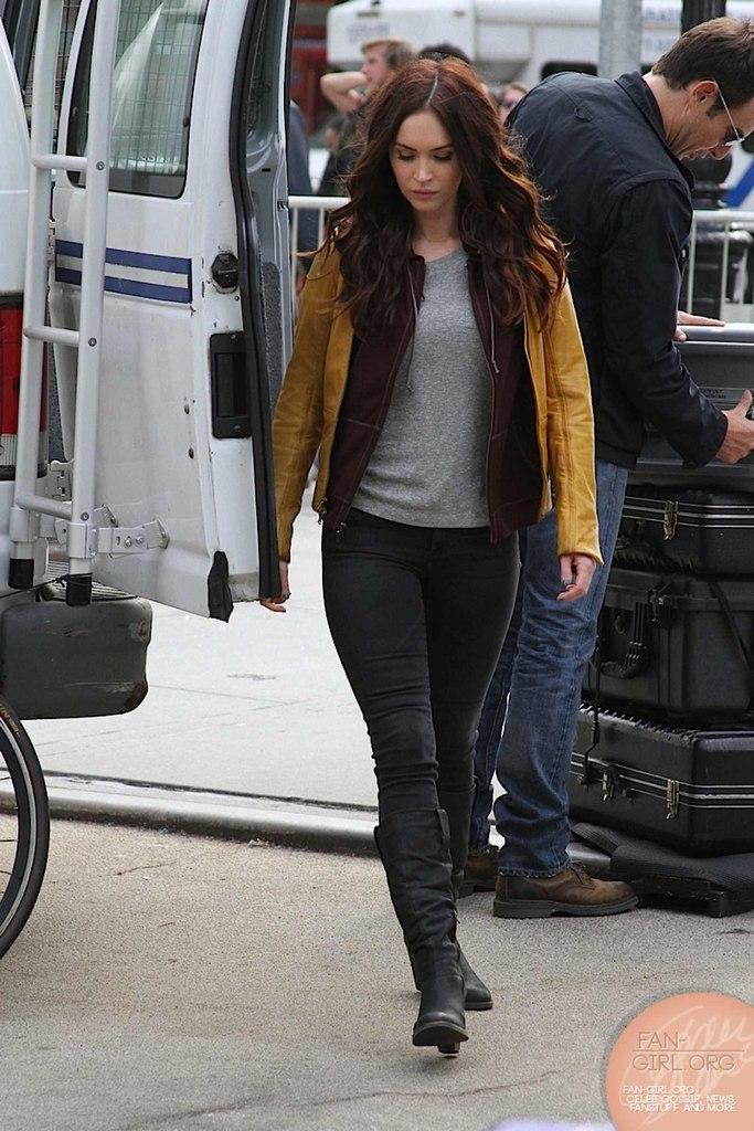 Megan Fox (April O'Nile) - 3