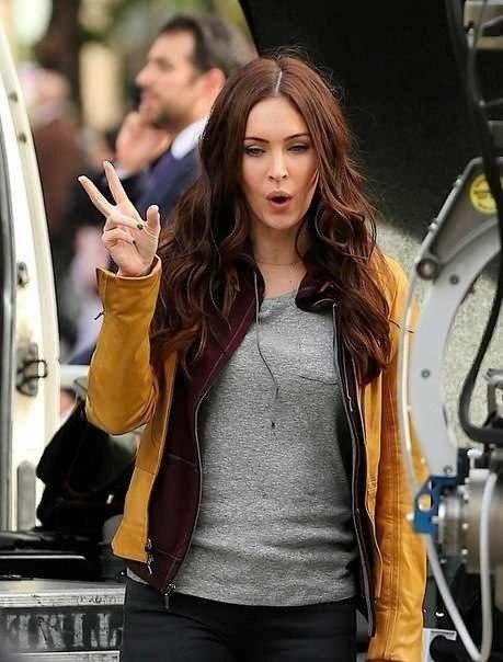 Megan Fox (April O'Nile) - 2