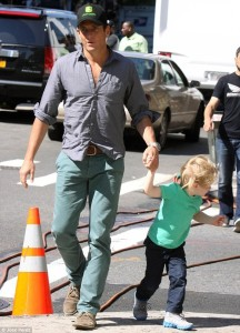 Will Arnet with son (1)