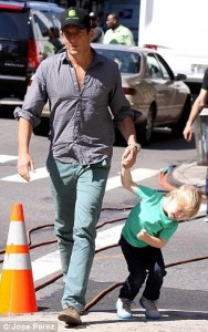 Will Arnet with son (3)
