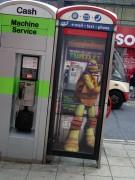 Телефонная будка с Донателло.jpg