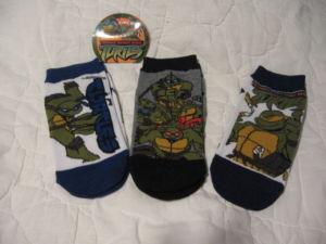 Изображения TMNT, их символика и т.п. на различных предметах - черепашки ниндзя носки.JPG