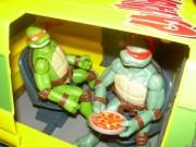 Игрушки и фигурки TMNT общая тема  - черепашки ниндзя 2007 рафаэль микеланджело.jpg