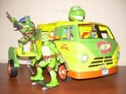 Игрушки и фигурки TMNT общая тема  - черепашки ниндзя 2007 кавабанга карл фургон.jpg