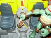 Игрушки и фигурки TMNT общая тема  - черепашки ниндзя 2007 фургон 4.jpg