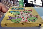 Изображения TMNT, их символика и т.п. на различных предметах - Черепашки Ниндзя - коробка для пиццы.jpg