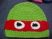 Изображения TMNT, их символика и т.п. на различных предметах - Черепашка Рафаэль - вязаная шапочка.jpg