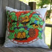 Изображения TMNT, их символика и т.п. на различных предметах - Черепашки Ниндзя - подушка (1).jpg