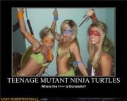 Косплей на Черепашек Ниндзя - demotivational-posters-teenage-mutant-ninja-turtles.jpg