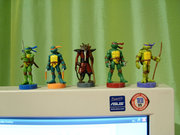 Черепашьи коллекции форумчан - tmnt_toys_toppers.jpg