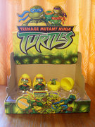Черепашьи коллекции форумчан - tmnt_toys_eggs.jpg