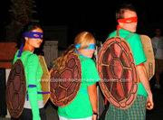 Косплей на Черепашек Ниндзя - coolest-homemade-ninja-turtles-halloween-costumes-6-21302810-thumb-572xauto-243316.jpg