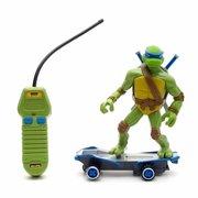 Игрушки и фигурки TMNT общая тема  - 812 rc tmnt skateboard-leonardo.jpg