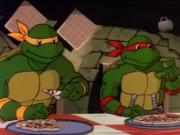 пицца в руках черепашек мелкая. - рп а апрпа.PNG