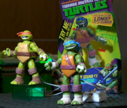Игрушки и фигурки TMNT общая тема  - Майк Лео со звуком.png