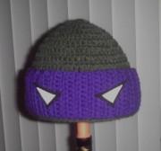 Изображения TMNT, их символика и т.п. на различных предметах - Донателло - вязаная шапочка.jpg