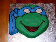 Изображения TMNT, их символика и т.п. на различных предметах - Leonardo_Ninja_Turtle_Cake_by_rawlph.jpg