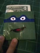 Изображения TMNT, их символика и т.п. на различных предметах - Леонардо - кошелек из клейкой ленты.jpg