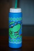 Изображения TMNT, их символика и т.п. на различных предметах - Леонардо - бутылка с водой.jpg