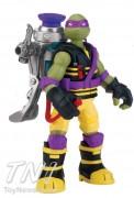 и кстати, отдельно от фигурок этой серии будет только мутаген, не рюкзак. - Lineyka-Mutagen-Ooze-Turtles-Don.jpg