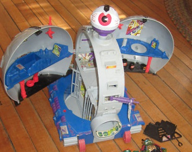 The Technodrome (toy inside)