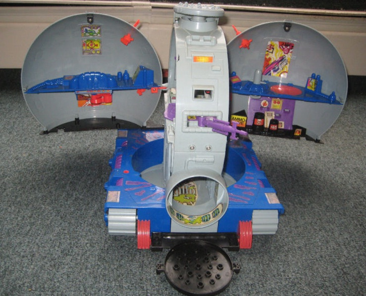 The Technodrome (toy inside) (2)