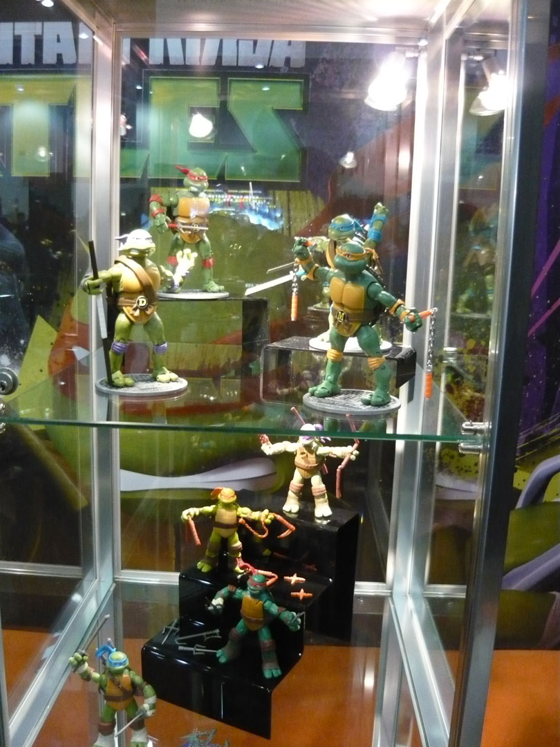 Nickelodeon-Teenage-Mutant-Ninja-Turtles-Booth-At-London-UKs-MCM-Expo-London-Comic-Con-2012-Animation-CGI-TMNT-Animation-Animated-Display-Action-Fiqures-TMNTToys1