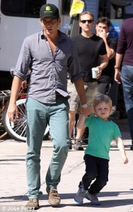 Will Arnet with son (4)